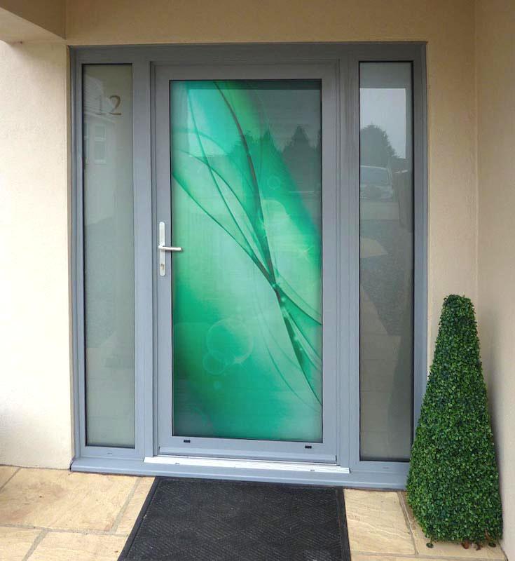 Celosklenená dverná výplň Vision Glass DIGITAL VV-850-GLW30. Možnosť vyhotovenia ako kompletné hliníkové dvere na mieru.