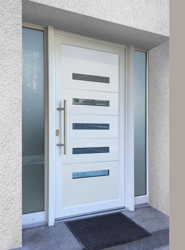 Sklo-hliníková dverná výplň Evolution EV-963. Možnosť vyhotovenia ako kompletné hliníkové dvere na mieru.