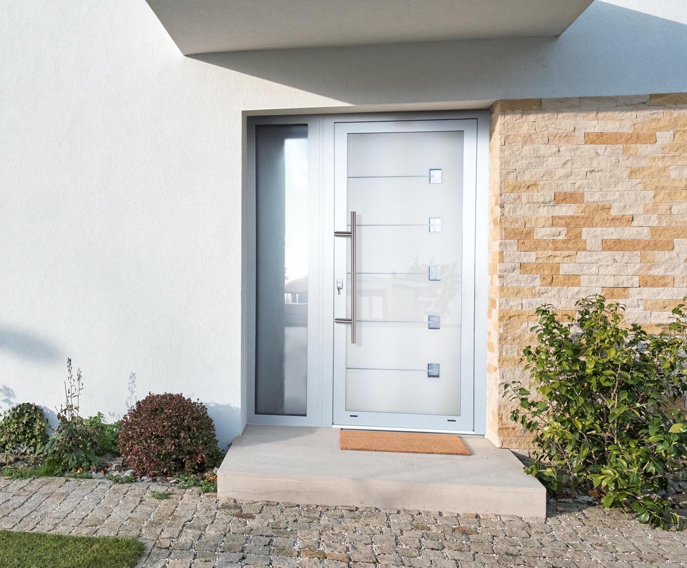 Hliníkové dvere sklo-hliníkovou dvernou výplňou Evolution EV-971