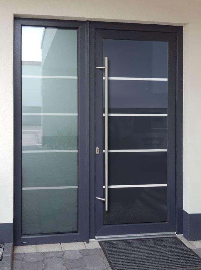 Hliníkové dvere sklo-hliníkovou dvernou výplňou Evolution EV-950