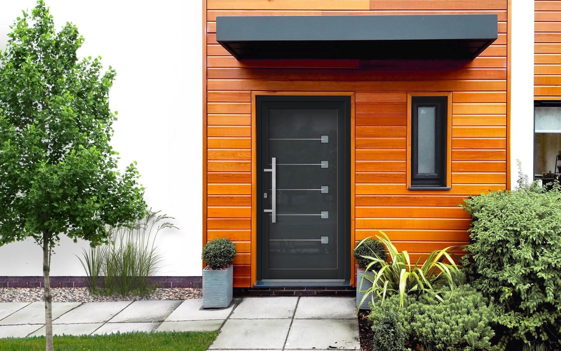 Vchodové dvere na mieru pre rodinný dom. Dobré vlastnosti.