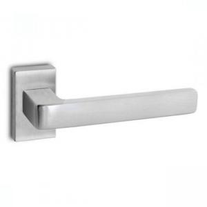 Kľučka Convex 1555 na hranatej rozete pre hliníkové vchodové dvere