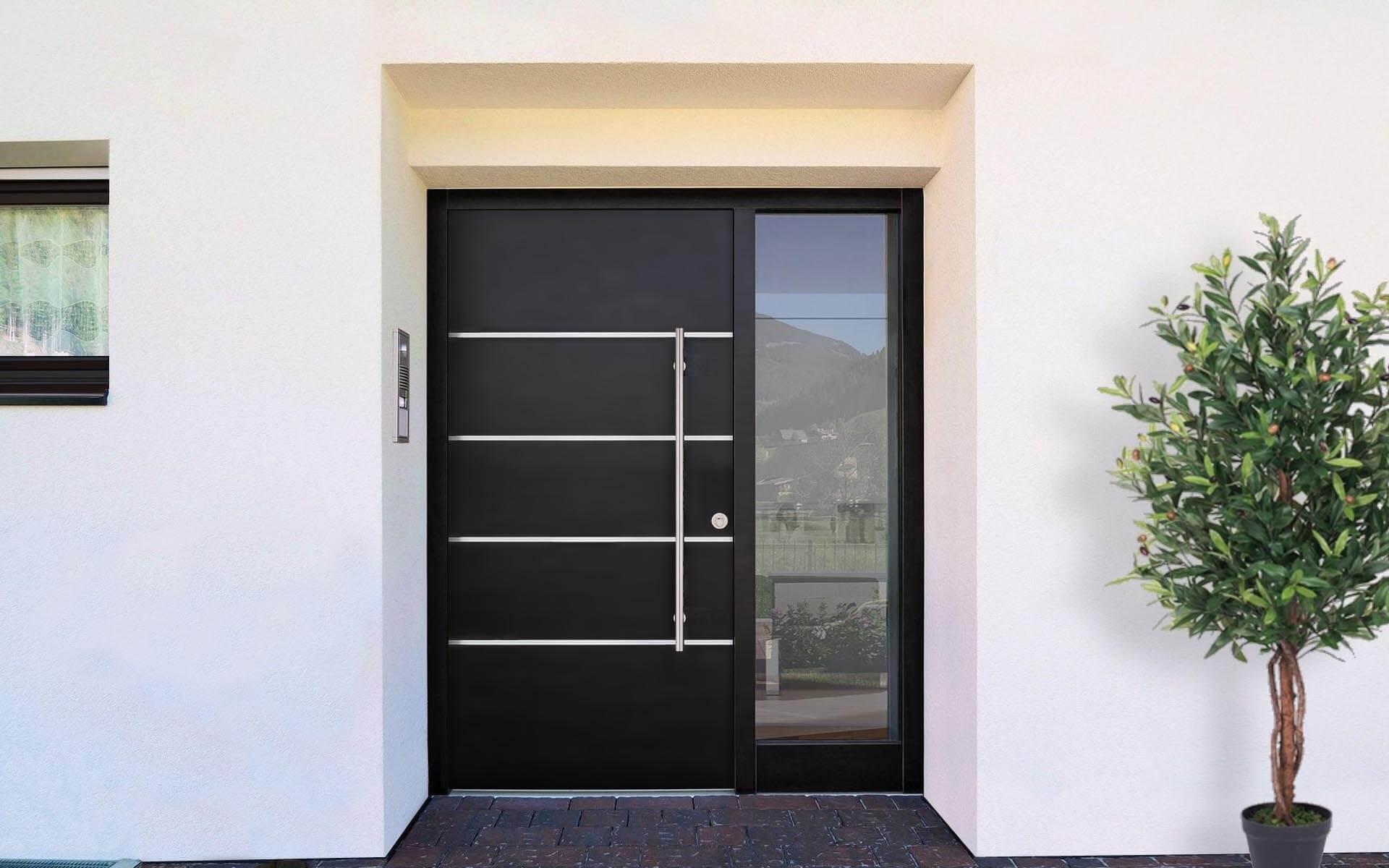 Hliníkové vchodové dvere do domu so svetlíkom vo farbe grafitová čierna RAL 9011